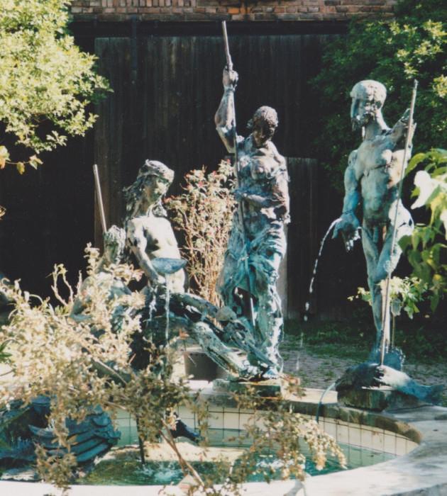 Hans-Peter Müller | Drachenbrunnen in Hohenölsen, Kupfer | Surrealismus Aktuelle